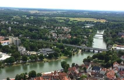 Die Donau Doppelstadt