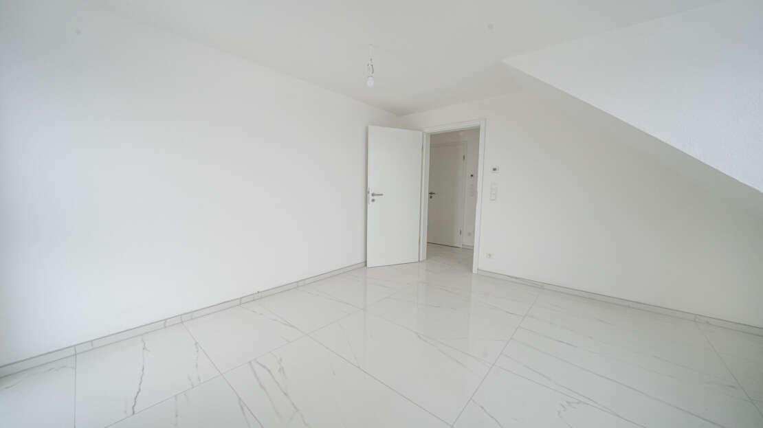 Zimmer 1/2 - Maisonette Wohnung Ulm